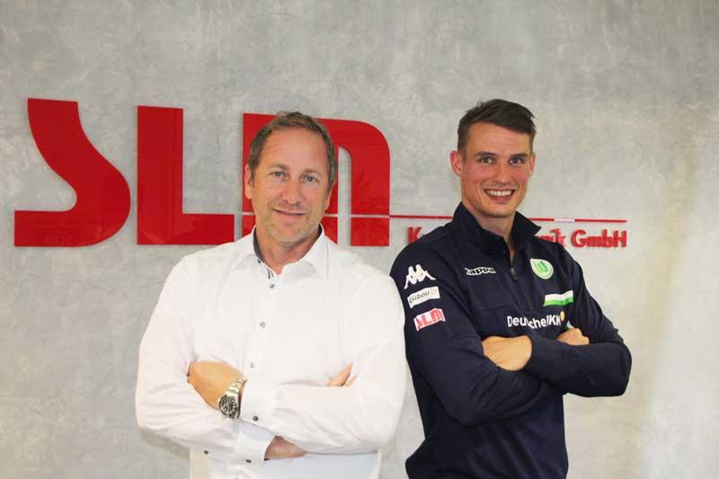 Sven Knipphals mit Sponsor SLM Kunststofftechnik